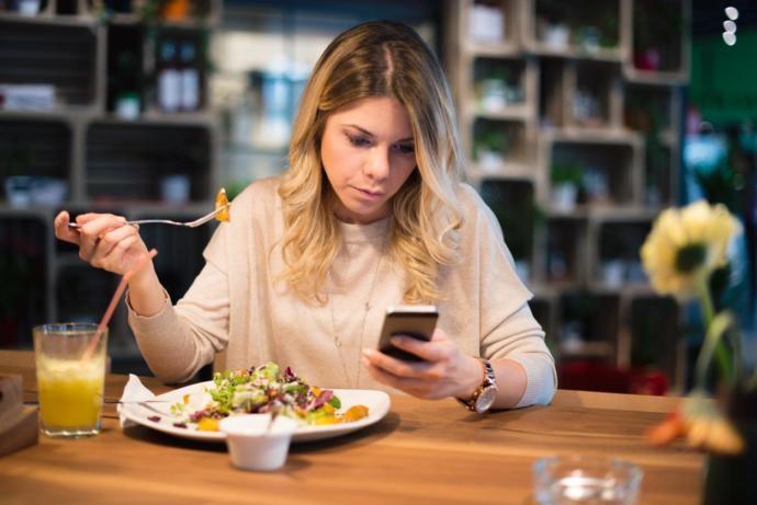 Yalniz yemek yemegi sever misiniz KS nin dertlilerii 😀?