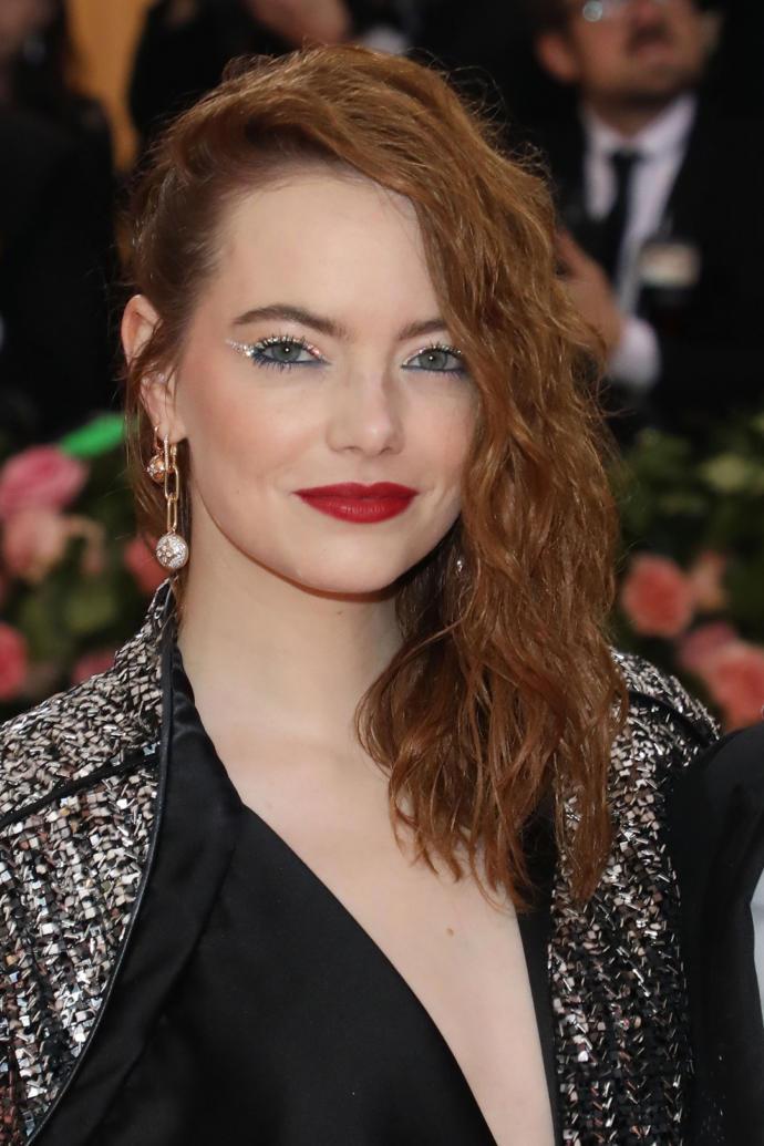 Lob kesim saçların güzellik elçisi olmaya hangi ünlü layık sizce?