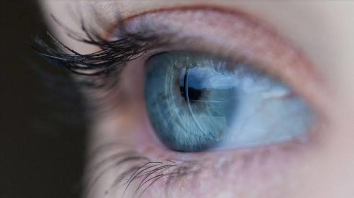 Hangi göz rengi daha güzel ve çekici?