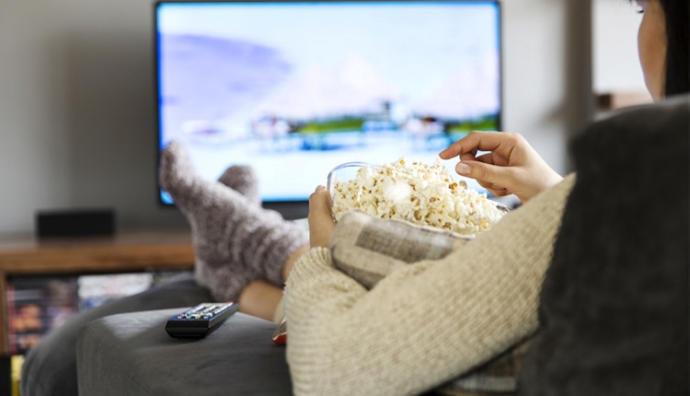 Hafta sonunu eğlenceli şekilde geçirebilecek bir film önerir misiniz?