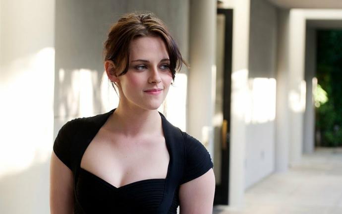 Kristen Stewart mı yoksa Emma Watson mu hangisi daha güzel ?