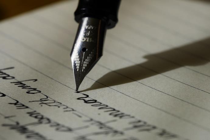 Yazı yazmak için Hangi kalınlıkta uç / versatil kalem tercih ediyorsunuz?