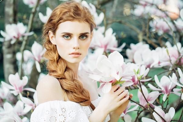 Sonbahara uygun bir saç rengi arıyorum. Bana hangi renkleri önerirsin?