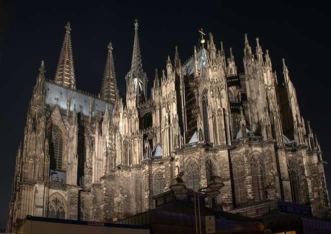 Gotik eserleri ve tarzı seviyor musunuz?