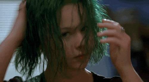 Saç boyamanın yaşı olur mu?
