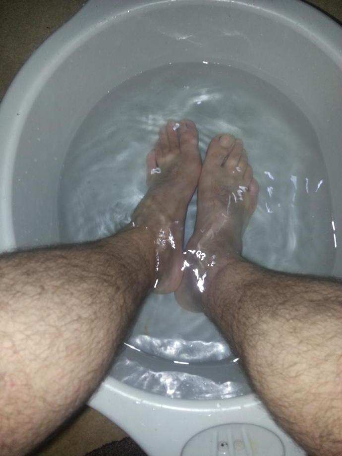 Erkeğinin ayaklarını yıkayan hatunla mi evlenmek daha hayırlı? Yoksa yıkanmayanla mi?