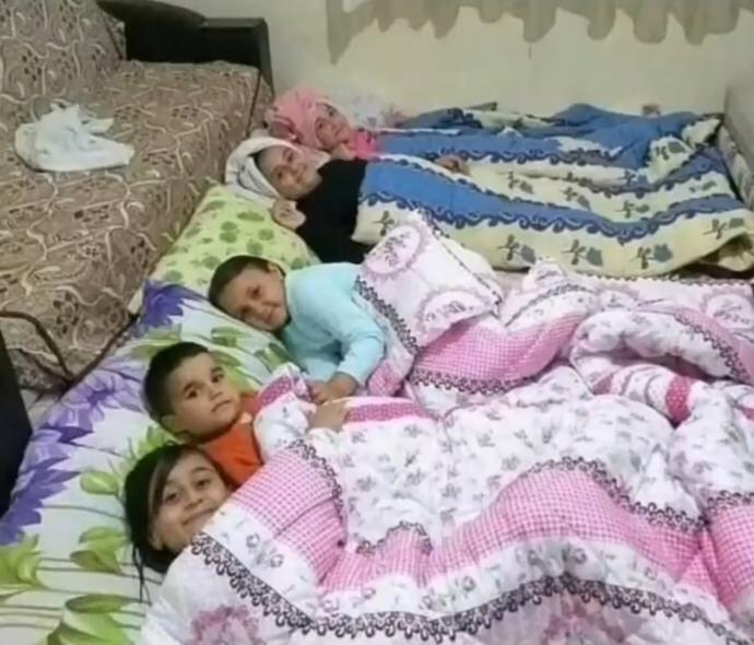 Yer yatağında kuzenlerinizle  ya da  kardeşlerinizle beraber yattınız mı hiç?