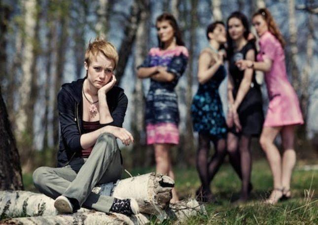Kadın kadının düşmanı mı yoksa dostu mudur?