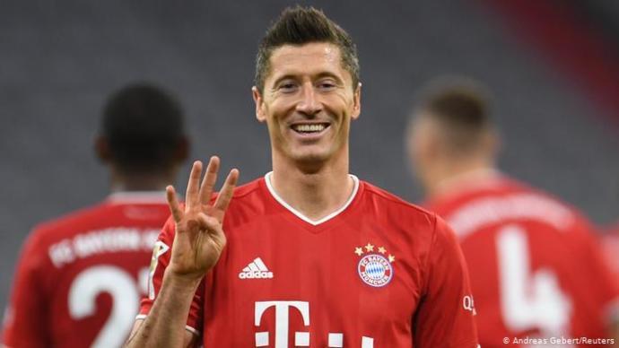 Sizce Robert Lewandowski ligimizde oynasa 30 maçta kaç gol atar?