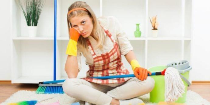 Sizin yaptığınız temizliği ev halkı beğenmeyip tekrar yapmaya kalkıșsasüpürgeyi başınıza çalın diyesiniz geliyor mu?