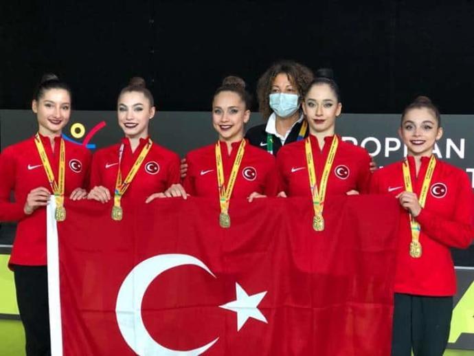Türkiye, Kadın Ritmik Cimnastik'te ilk kez Avrupa şampiyonu oldu! Ne düşünüyorsunuz?