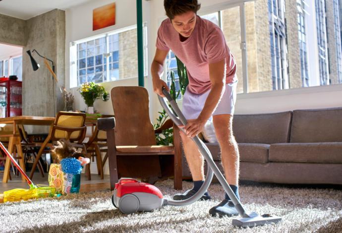 Erkekler isterse kadınlardan daha iyi, ev temizliği yapabilirler mi?
