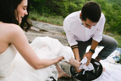 Sevgilinizin ayaklarını yıkar mısınız?