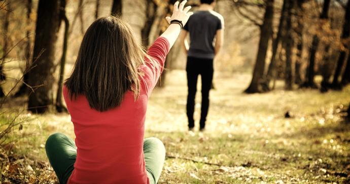 Sevdiğin Beni bekle... dedi ve beklediğin sana gelmedi ne yaparsın?