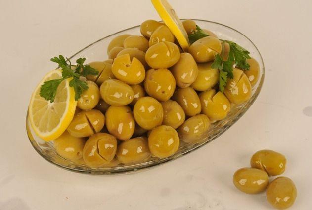 Herkese günaydınn 🤍 Kahvaltıda yeşil zeytin mi yoksa siyah zeytin mi tercih edersiniz 😄?