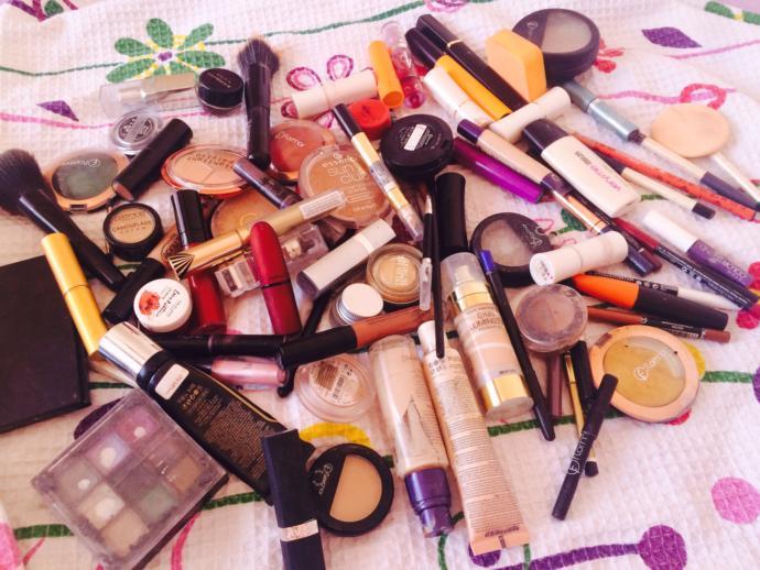 Bir kadının çantasında olmazsa olmaz makyaj malzemesi ne olmalı?