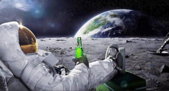Astronotlar yasak olmasına rağmen uzay istasyonuna giderken içki götürüyormuş! Sen astronot olsan, yanında ne götürürdün?