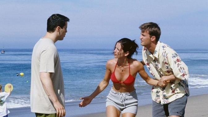 Eski sevgilinizin yeni ilişkisini size sorsalar neler söylersiniz?