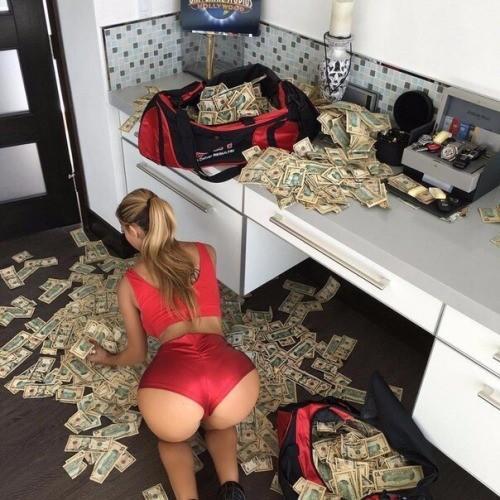 Çok paranızın olması, tüm kadınlara veya erkeklere sahip olunacağı anlamına mı geliyor?