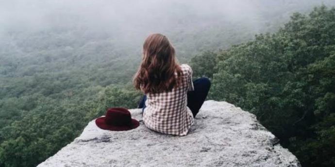 Yılmaz O. Tek kişilik kalabalıktır aşk der. Ataol B. ise Aşk iki kişiliktir der. Siz hangi şiirden yanasınız?
