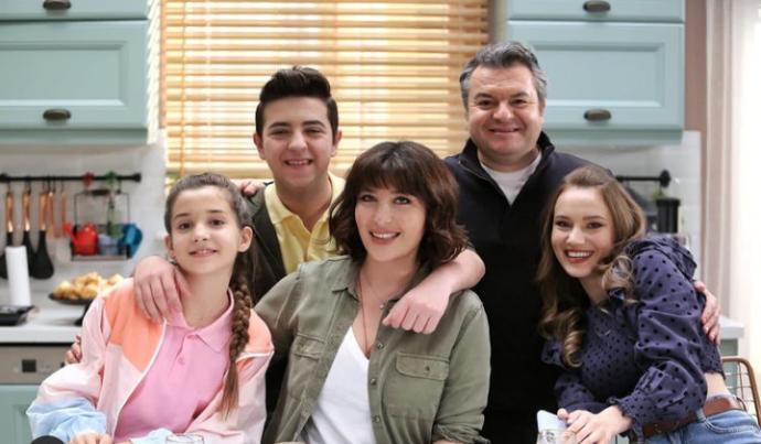 Perşembe günleri Kanal D de çıkan iyi aile babası dizisini nasıl buldunuz? Oyuncu kadrosu nasıl? Beklentilerinizi karşıladı mı?