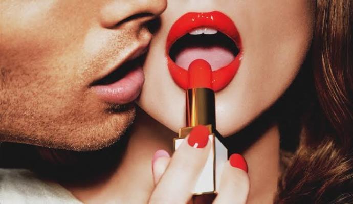 Dolgun dudaklar erkeklerde neden oral seksi çağrıştırır?