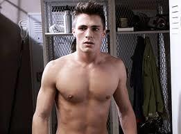 Teen Wolf dizisinin kötü karakteri olsada Jackson sizcede aşırı yakışıklı değilmi?