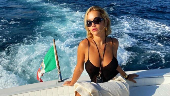 Rita Ora, Bodrumdan 5 milyon liraya malikane aldı. Siz yurt dışının neresinde ev sahibi olmak isterdiniz?