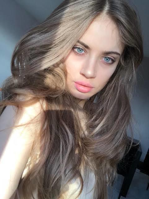 Hande mi daha güzel Xenia mı?