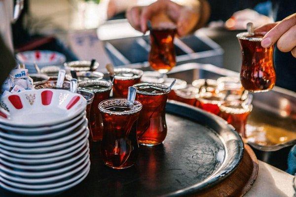 Ülkemizi ziyaret eden bir turist hangi içeceği mutlaka denemeli?