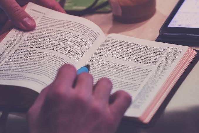 Kitap 📖 okurken önemli yerlerin altını çizer veya ufak notlar yanına alır mısınız?