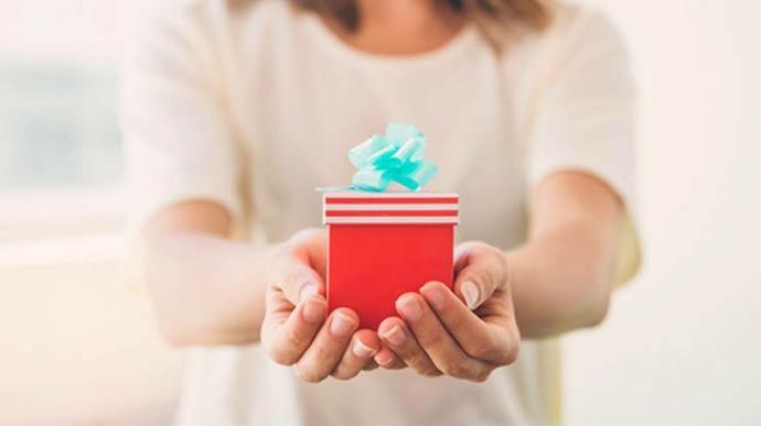 Birine hediye alınca ondan da karşılık bekler misiniz?
