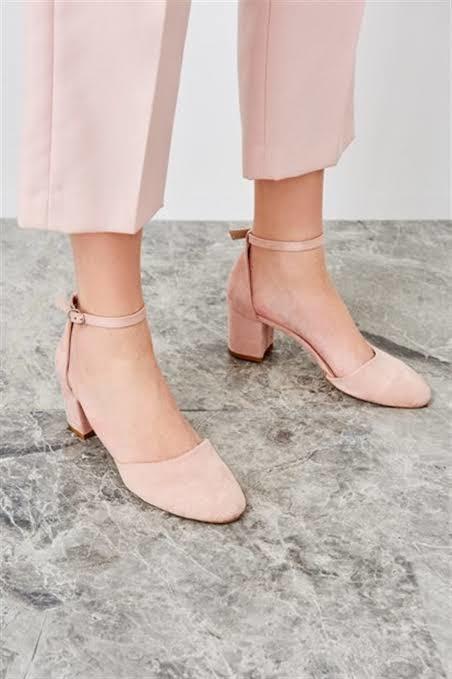 Arkadaşlar hangi ayakkabıyı almalıyım?