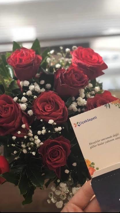 Yüzünüzde gülleri çiçekleri açtıran günaydın mesajınızı aldınız mı?