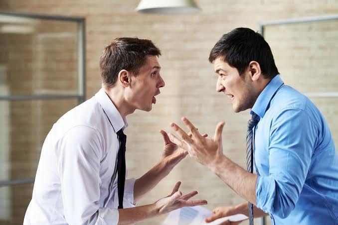 Tartışmada haksız olduğunuzu fark etseniz susabilir misiniz?