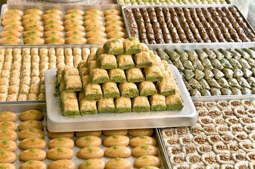 Tatlı Yemek İstediğinizde En Çok Hangisini Tercih Ediyorsunuz, Şerbetli Tatlılar Mı, Yoksa Sütlü Tatlılar Mı?