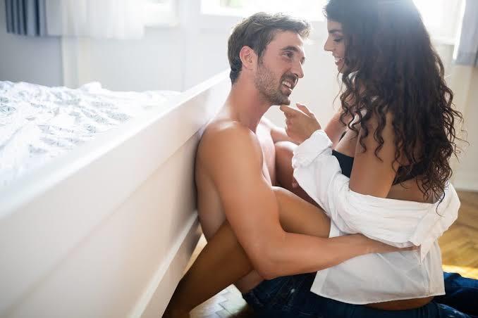 Seks pozisyonları erkeğin fiziksel gücüne mi dayalıdır, yoksa fantezisine mi?