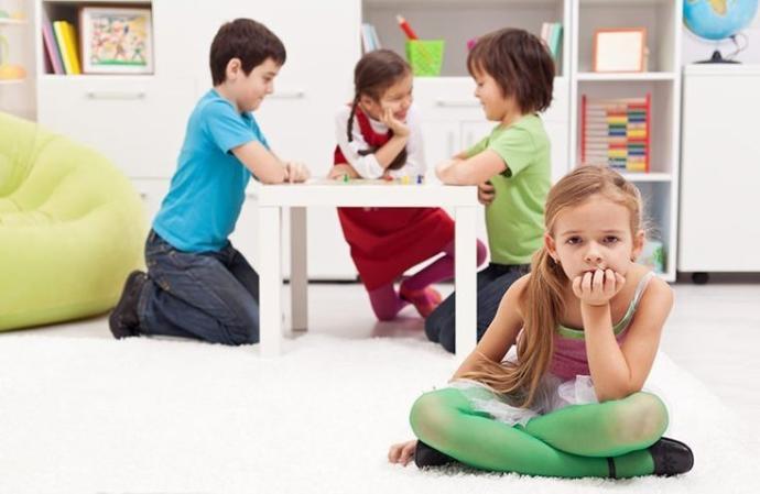 Çocukların psikolojik desteğe ihtiyacı olduğu zaman aileler nasıl bir yol izlemeli? Psikolojik problemlerin sinyalleri nelerdir?