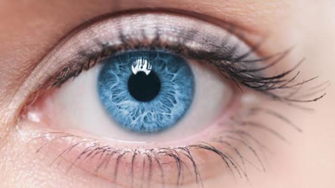 Kızlarda mavi göz mü yeşil göz mü?