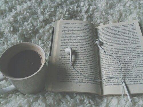 Kitap okurken müzik dinleyenlerden misiniz yoksa sessizliği tercih edenlerden mi?