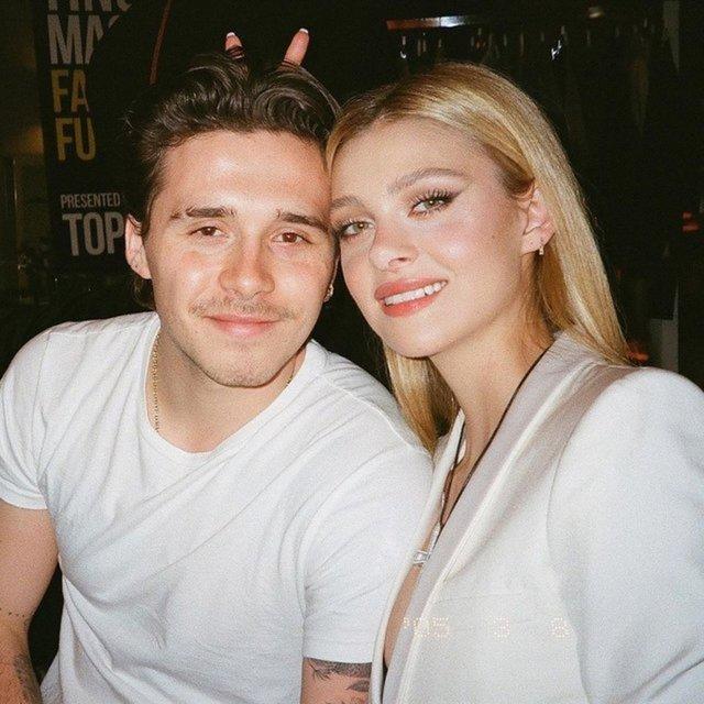 Brooklyn Beckham nişanlısı için dövme yaptırdı.