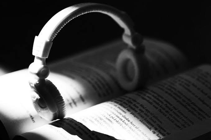 Kitap 📖 okurken müzik dinlenir mi?