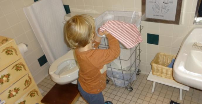 Oğluma kirli çamaşırı sepete at dediğim için kayınvalidemle kavga ettik, ne yapmalıyım?