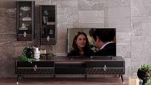 Film ve dizileri en çok hangi cihazda izlersiniz ve kimle izlemeyi seversiniz?