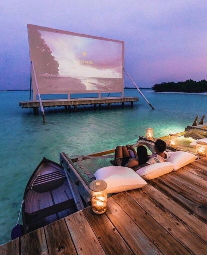 Burada olsaydınız ne izlemek isterdiniz?