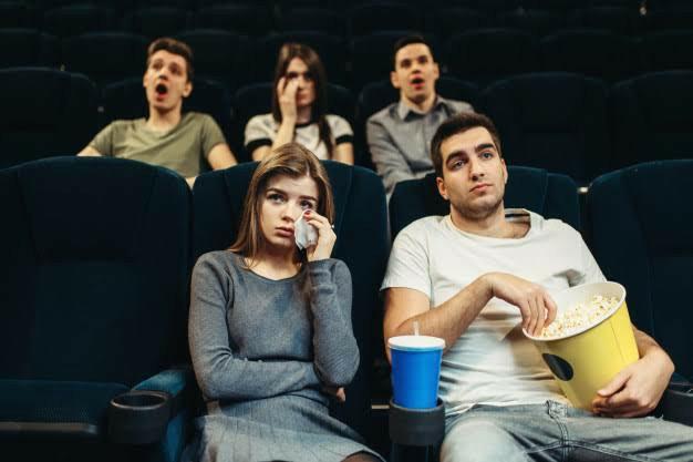 Film izlerken kendinizi film karakterinin yerine koyar mısınız?