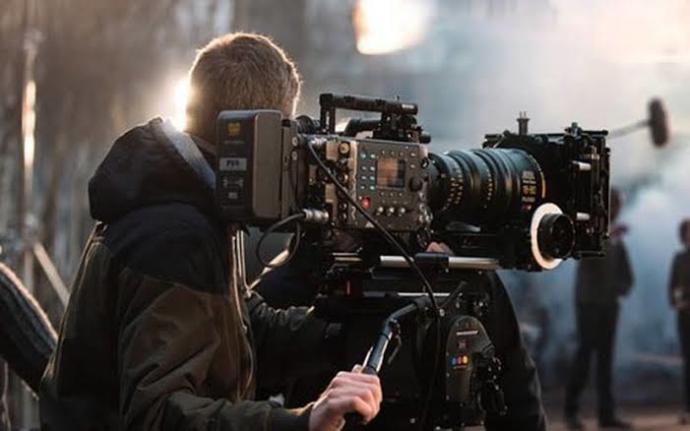 Film çekip youtube yükleyerek kariyer yapilabilirmi ?