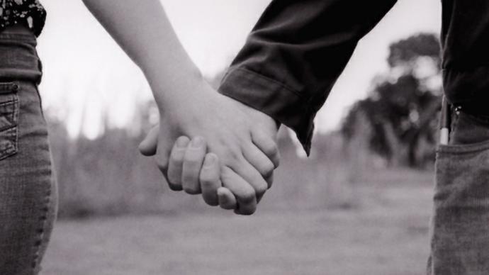 Sevgiliniz/eşinize Eskiden nasıl biri olduğunuzu nasıl biri oldugunu neler yaptığını anlatmamak onu kandırmakmı ve günahmıdır?
