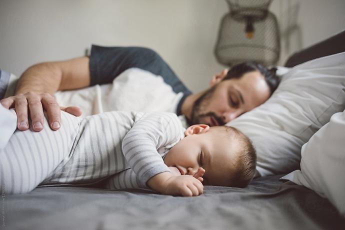 Çalışan eşimin gece kalkıp bebeğe bakmasını istemem gaddarlık mı?