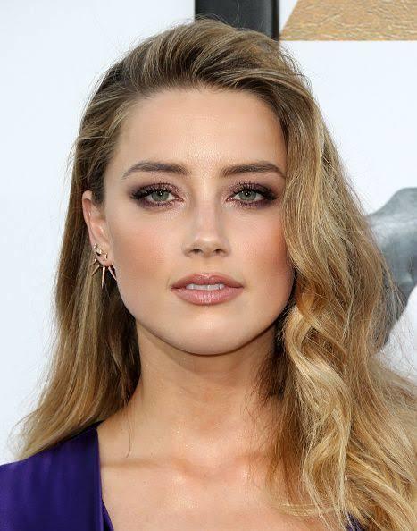Hande Erçel mi Amber Heard mü daha güzel?